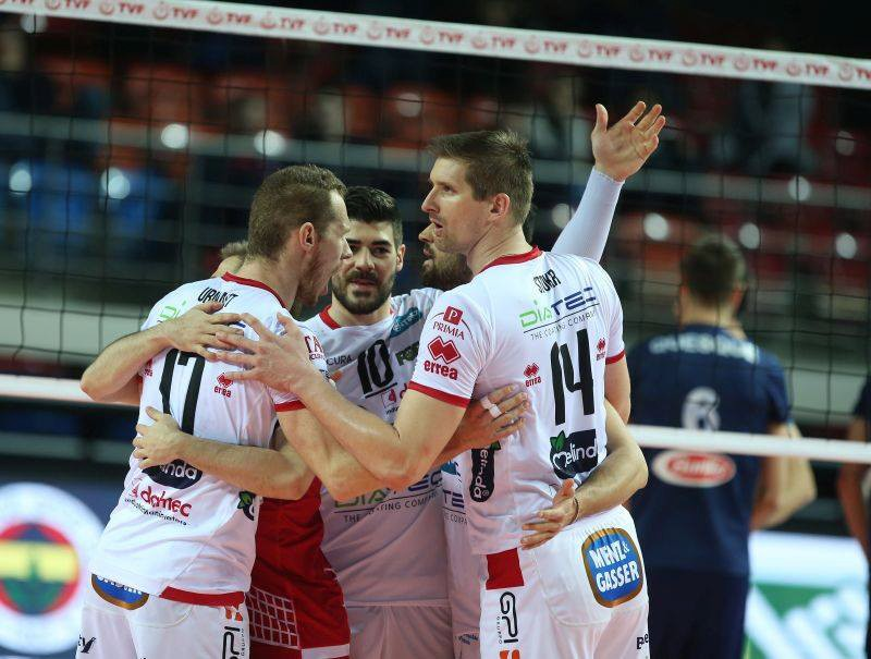 2017 Cev Cup, two Erreà teams in the final. Trentino and Tours contend the title!
